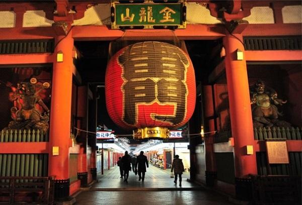 动漫圣地巡礼!斗鱼《鱼乐家族》主播带你逛日本