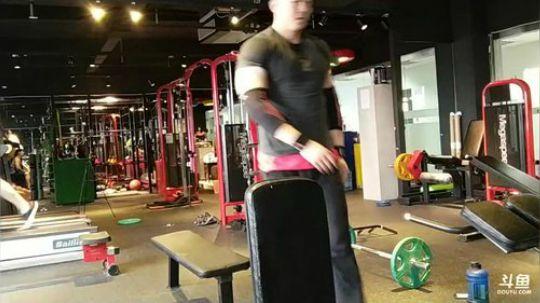 三角肌训练,明天健身行 2017-09-21 13点场