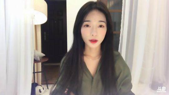 斗鱼女主播宋梓馨直播视频2017.10.7 19点场