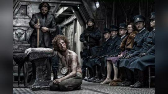 世界末日来临,人们只能生活在列车上,一出去就会被冻成冰棍!