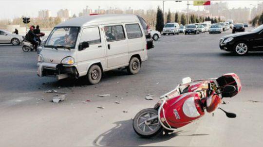汽车撞了电动车,就一定要赔钱么?