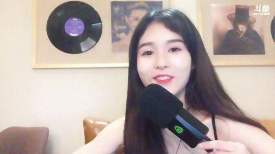 斗鱼女主播羊鹿鹿Jessie直播视频2018.3.13 22点场