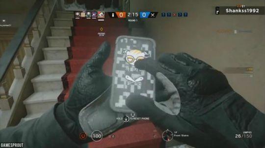 玩手机可是丝毫影响不了我反杀