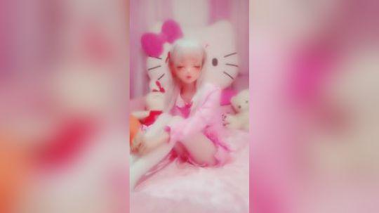 真人芭比娃娃会跳舞,拿走吧。。(#^.^#)
