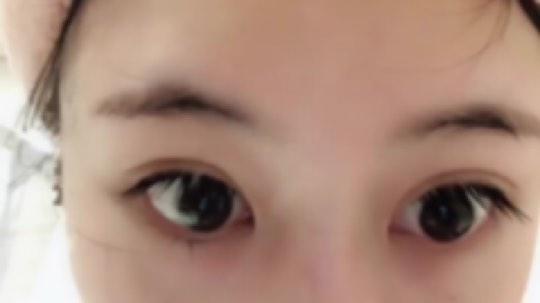 hh#御宅囧卡卡#  你会带美瞳吗……