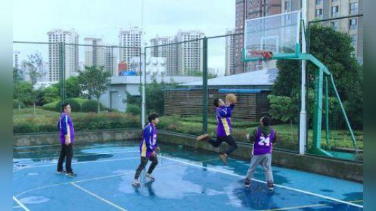 陈翔六点半:打篮球和上课该怎么平衡?学生给出了自己的答案