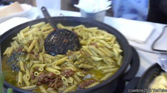 意大利水饺、意大利面配松露-伦敦布里克巷