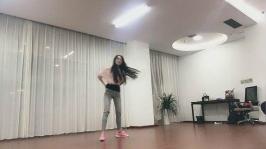丸子跳舞视频 私人珍藏